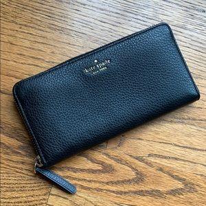 NWOT Kate Spade zip-around Black Leather Wallet